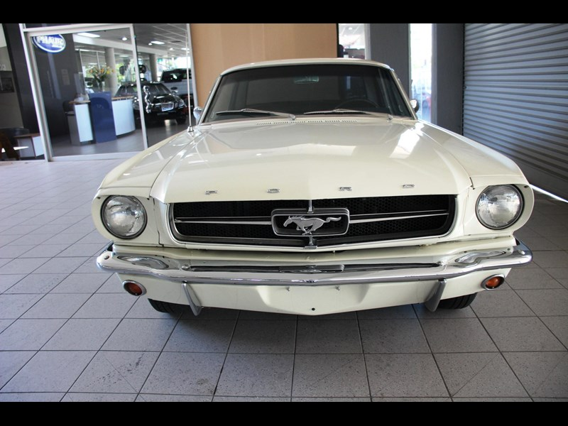 ford mustang 661163 019