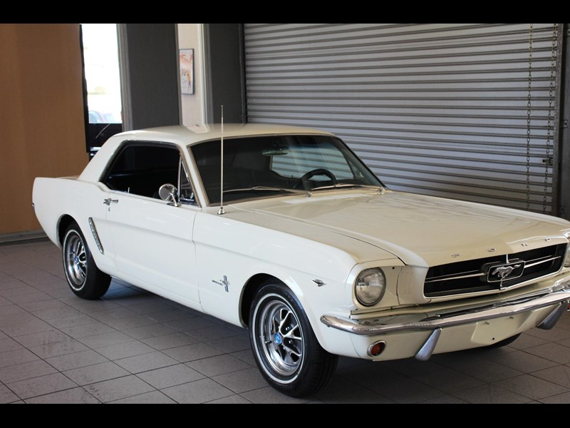 ford mustang 661163 081