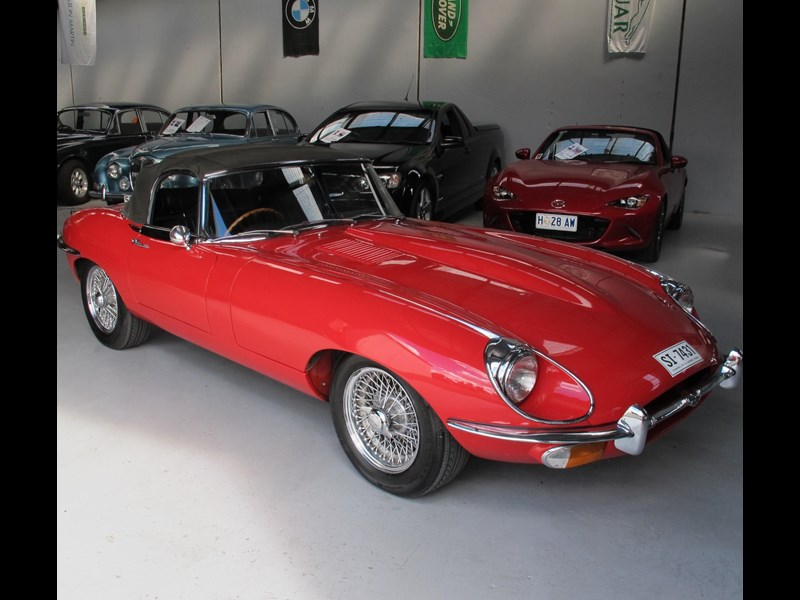 jaguar e-type 683047 021