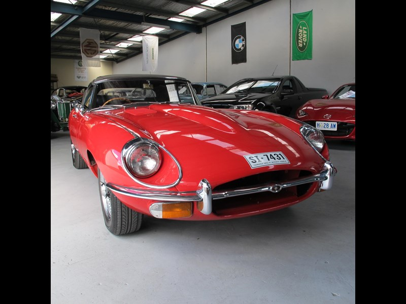 jaguar e-type 683047 023