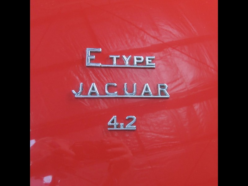 jaguar e-type 683047 031