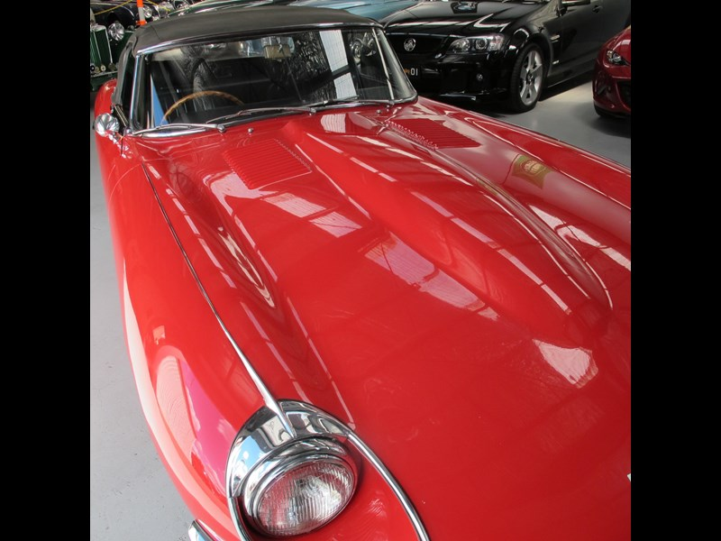 jaguar e-type 683047 035