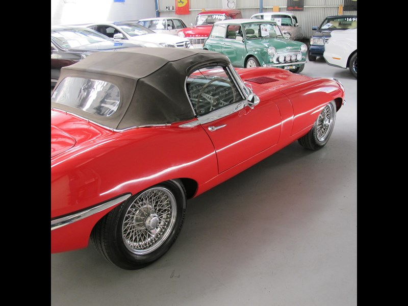jaguar e-type 683047 051