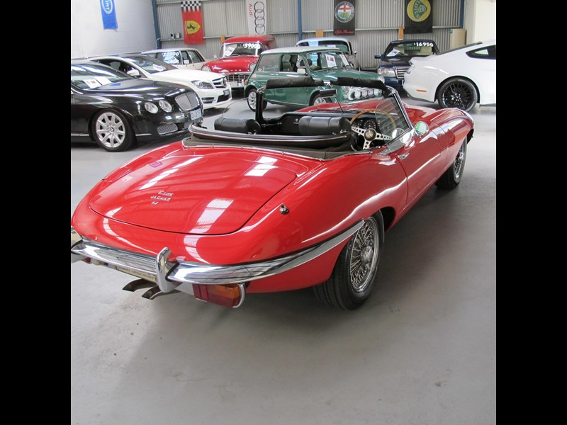 jaguar e-type 683047 003