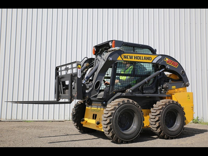 new holland l218 683796 001