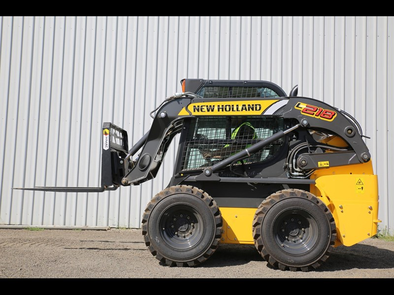 new holland l218 683796 025
