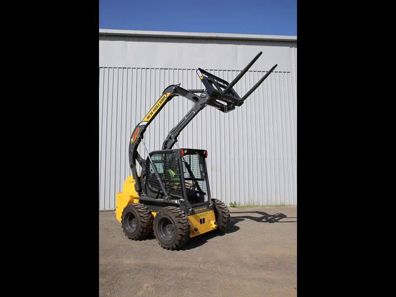 new holland l218 683796 027