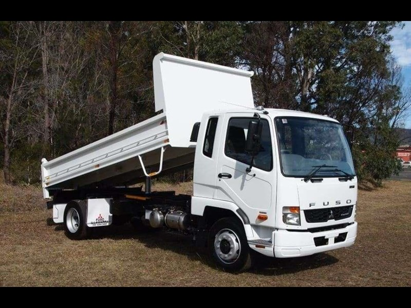fuso fighter 1124 683874 001