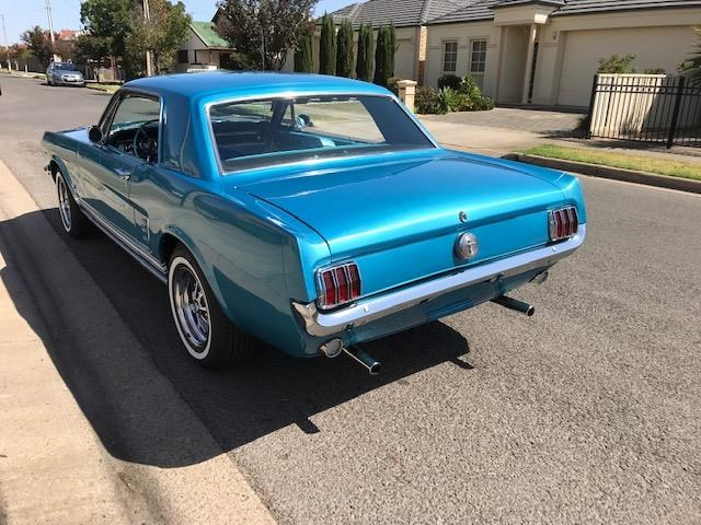 ford mustang 684594 057