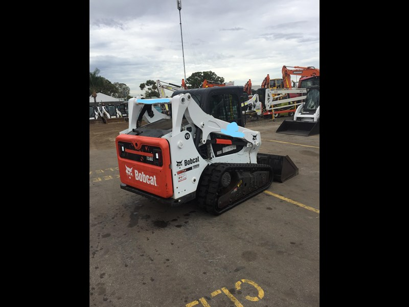 bobcat t590 - near new - price reduced 690233 003