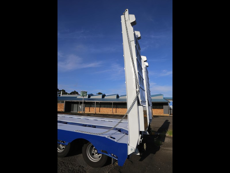 aaa quad axle low loader widener with bi-ford ramps 684540 015