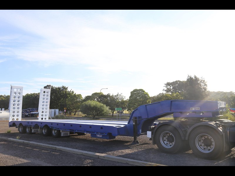 aaa quad axle low loader widener with bi-ford ramps 684540 017