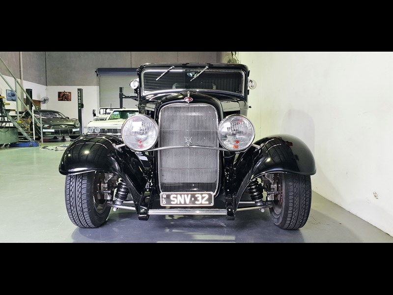ford roadster 691635 009