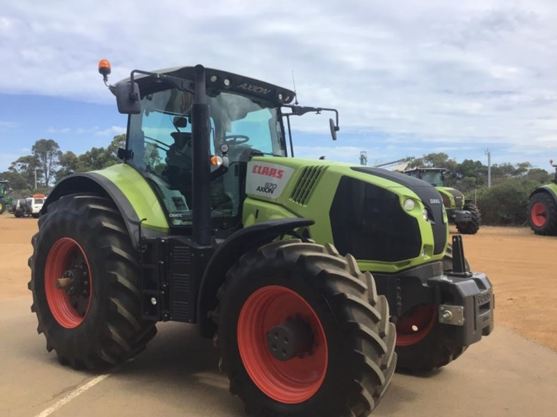 claas axion 870 692111 011