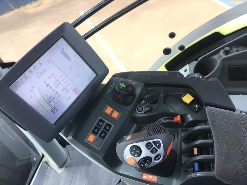 claas axion 870 692111 025