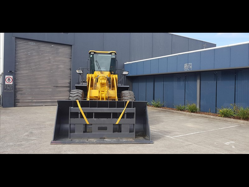 active machinery al958e 19.5t, 'cat engine, 4spd electric trans, 3 yr warranty 588706 033