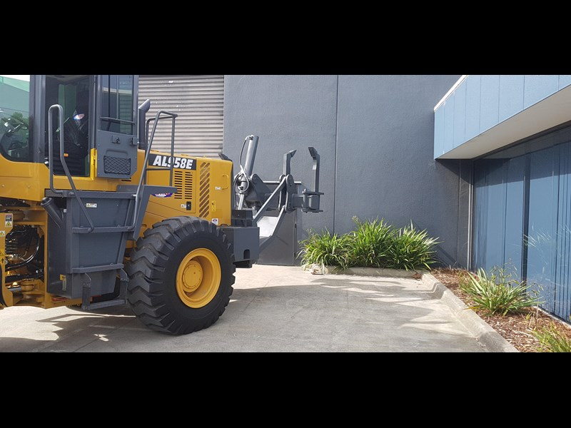 active machinery al958e 19.5t, 'cat engine, 4spd electric trans, 3 yr warranty 588706 041