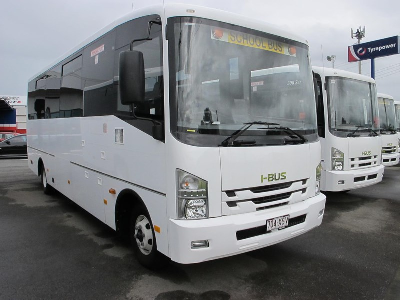 isuzu i-bus 34 seater school bus 693284 001