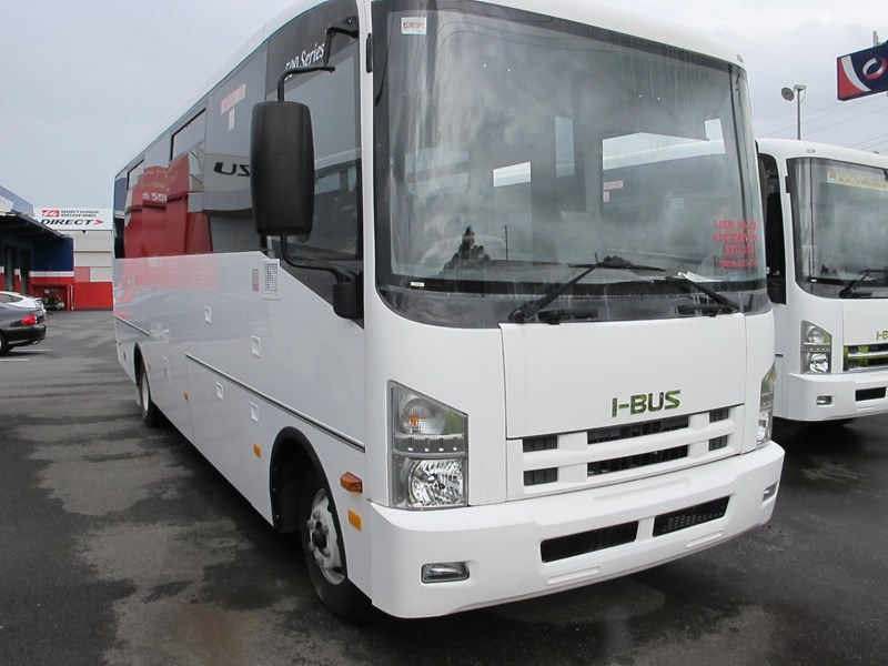isuzu i-bus 34 seater school bus 693295 001