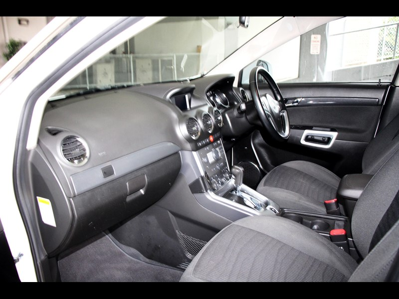 holden captiva 693314 023