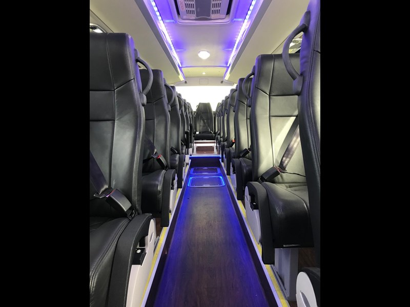 yutong 39 seat luxury coach 693748 025