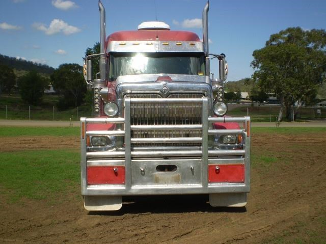 international 9000i eagle 692330 003