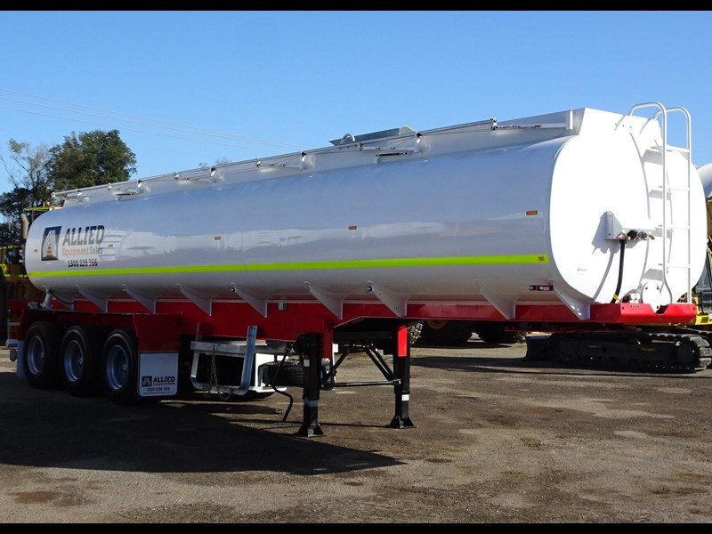 action tri axle tanker trailer 646297 005