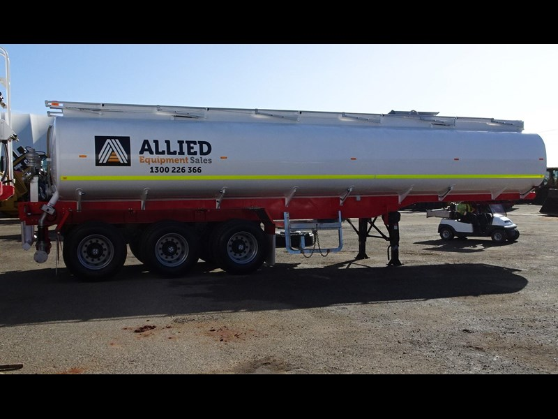 action tri axle tanker trailer 646297 011
