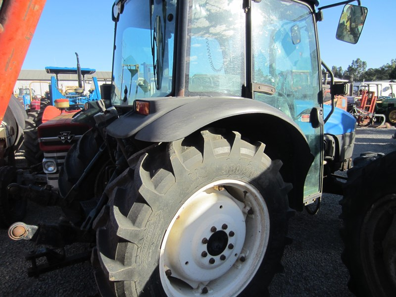new holland tn70d 4 wheel drive tractor 694672 005