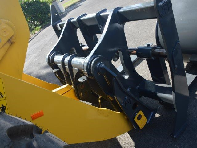 komatsu wa200-8 hitch, forks, 4in1 available 676713 183