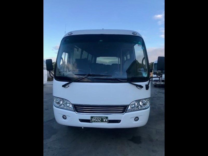 higer h7 170 28 seater midi coach 695025 003