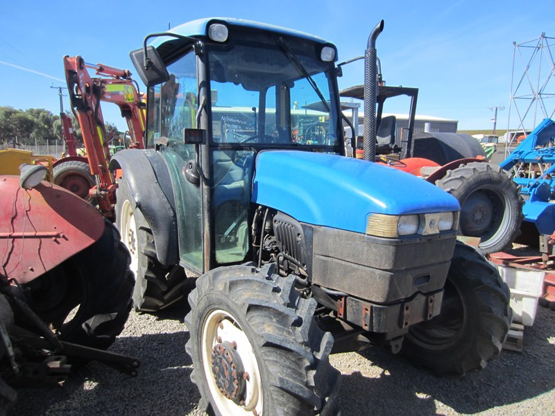 new holland tn70d 4 wheel drive tractor 694672 007