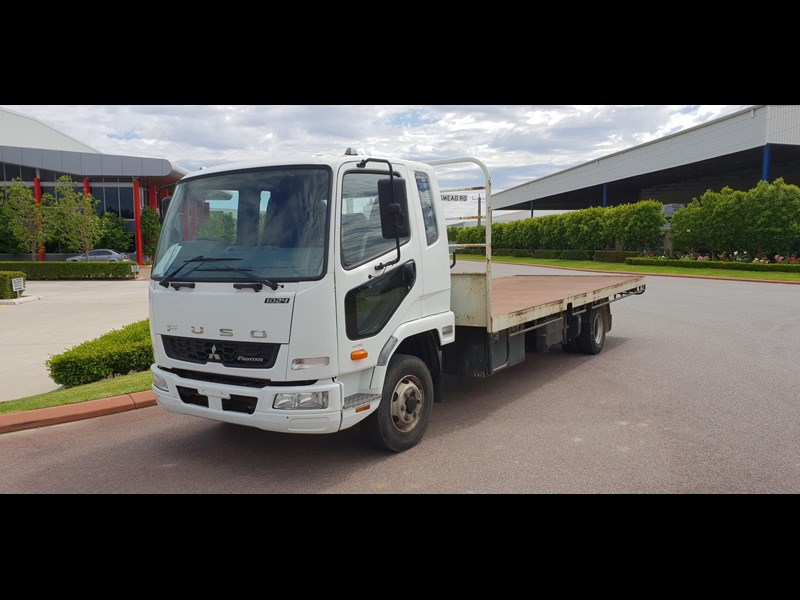 fuso fighter 1024 642294 015