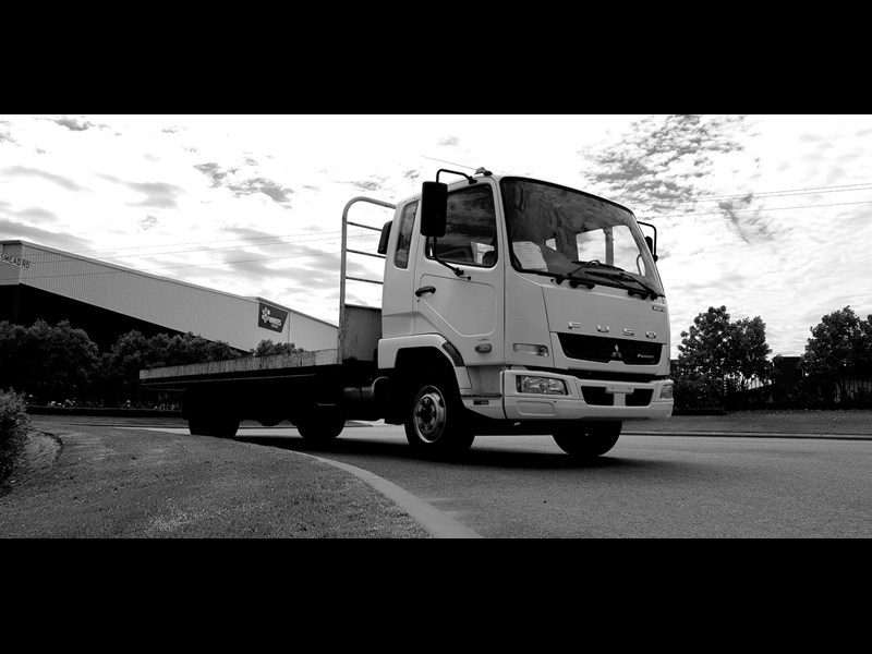 fuso fighter 1024 642294 035