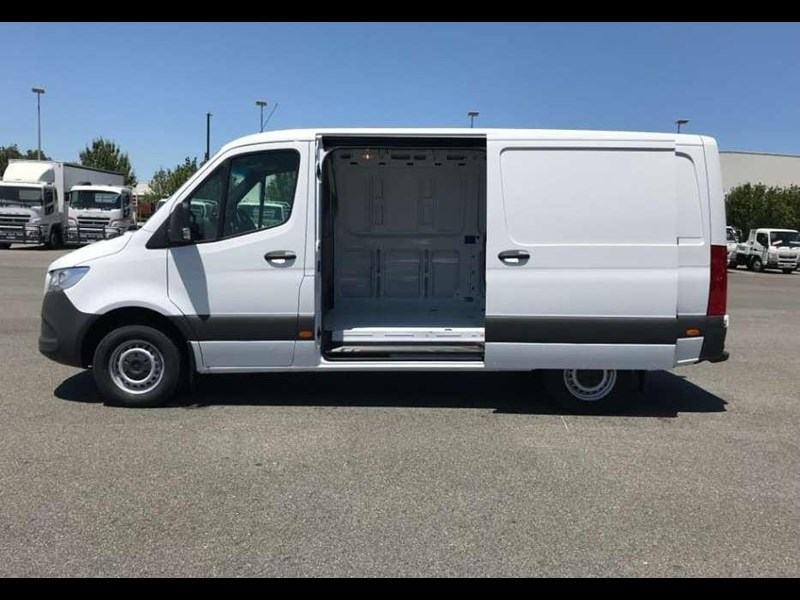 mercedes-benz sprinter 695120 009