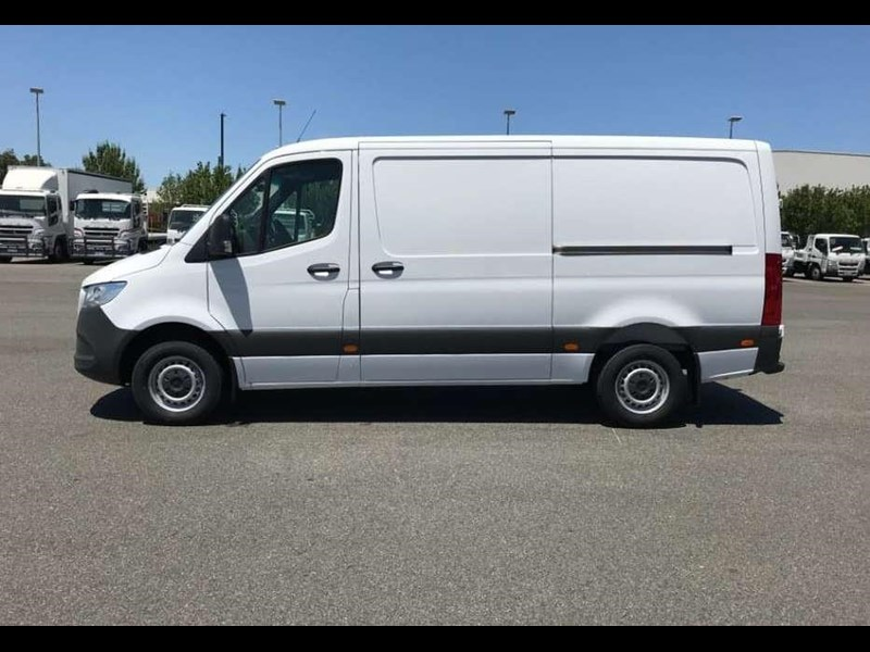 mercedes-benz sprinter 695120 013