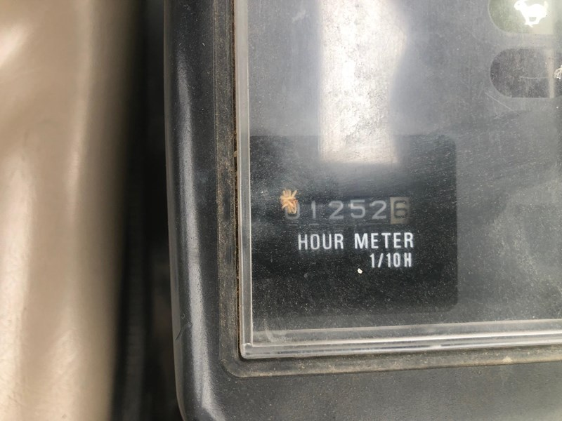 new holland equiv to e18b low hours 1252 697036 003