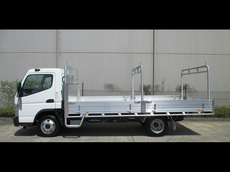 fuso canter 698624 007