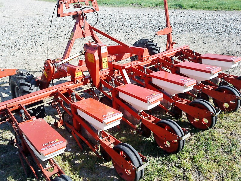 accord monopill 6 row precision planter 29409 001