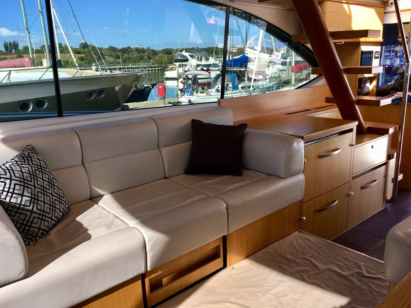 riviera 52 enclosed flybridge 701021 009