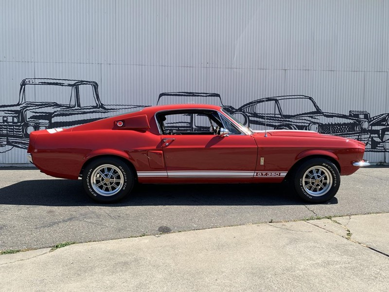 ford mustang 701282 027