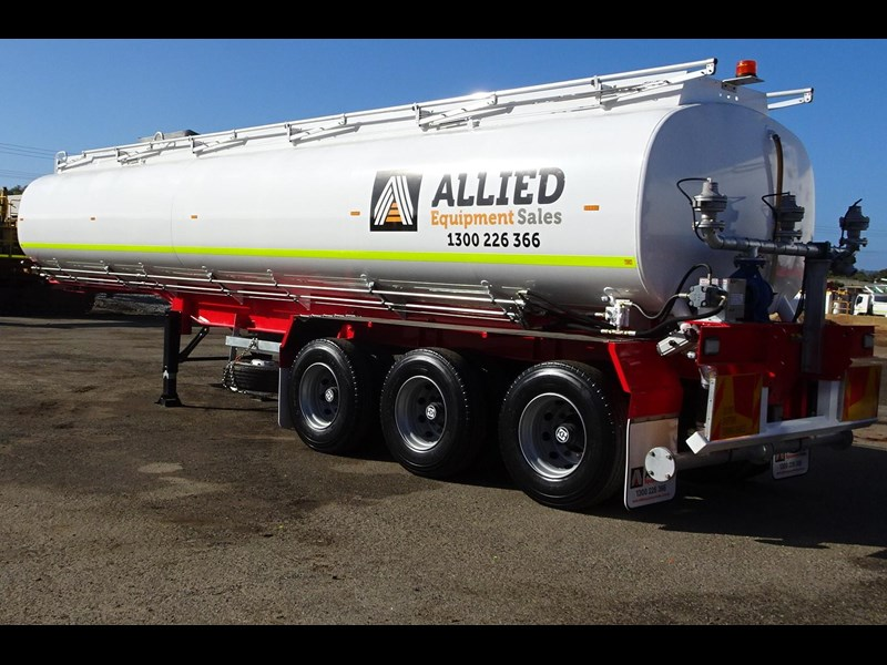 action tri axle tanker trailer 701574 007