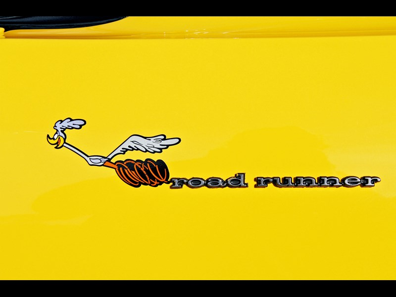 plymouth road runner 702258 023