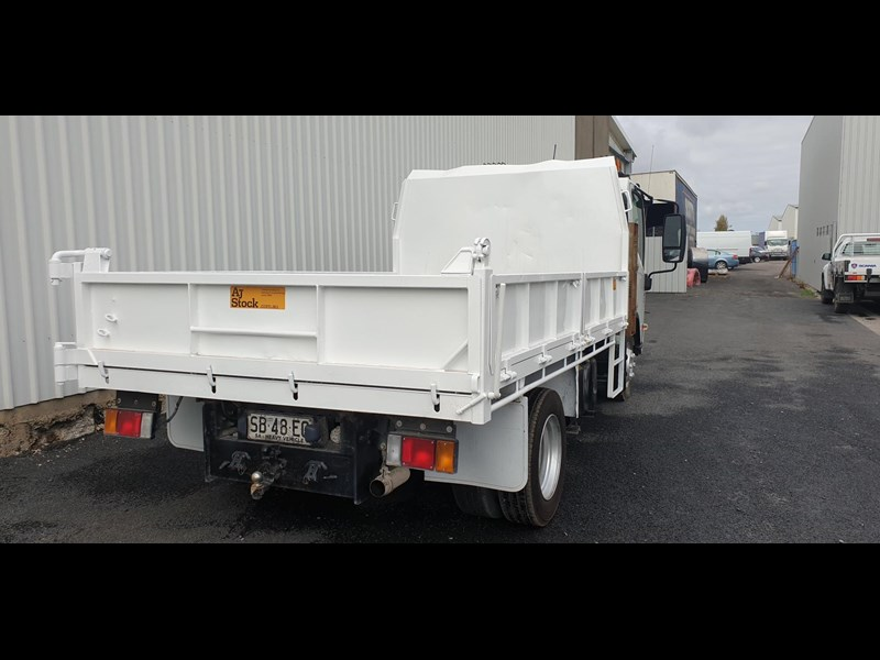 isuzu npr400 medium 645559 013