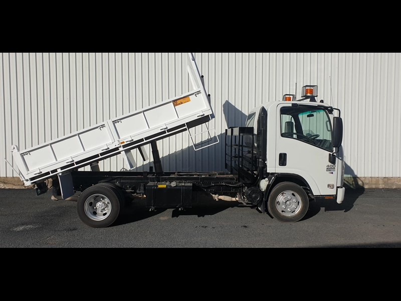 isuzu npr400 medium 645559 019