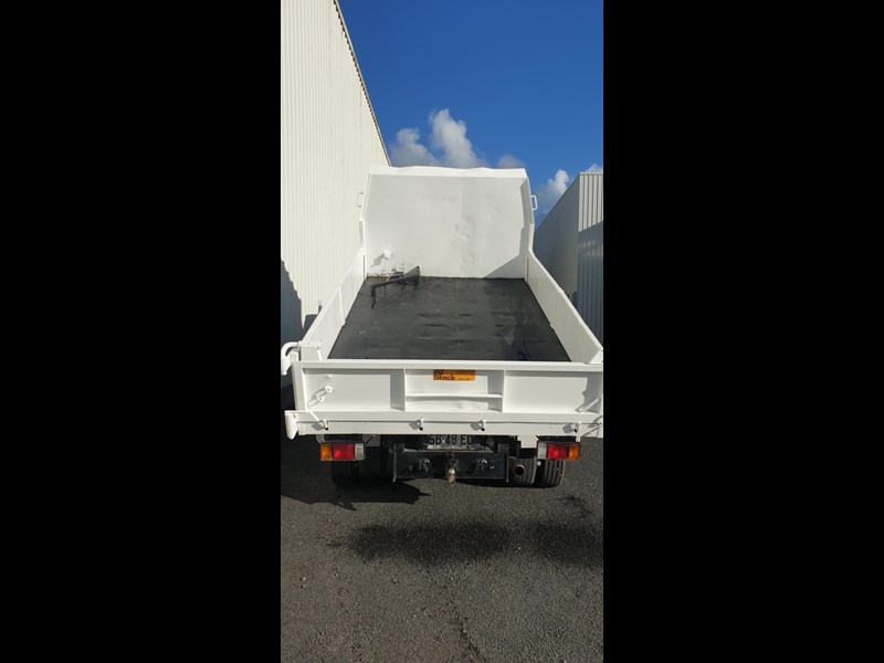 isuzu npr400 medium 645559 021