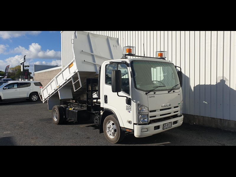 isuzu npr400 medium 645559 027