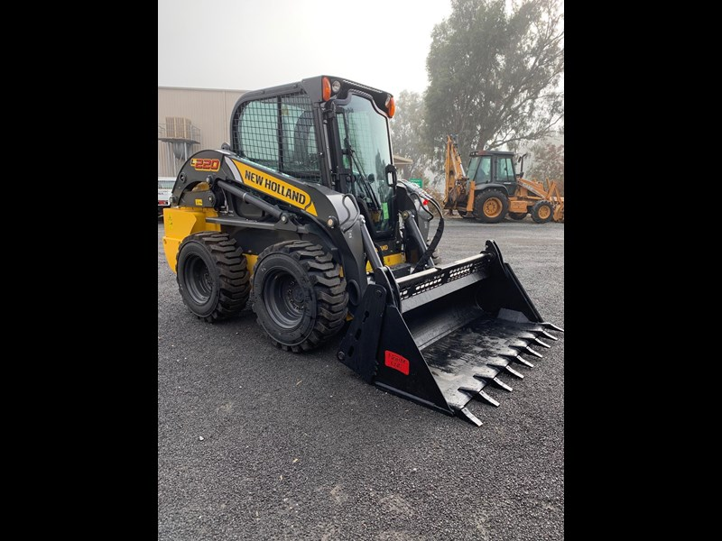new holland l220 702968 005