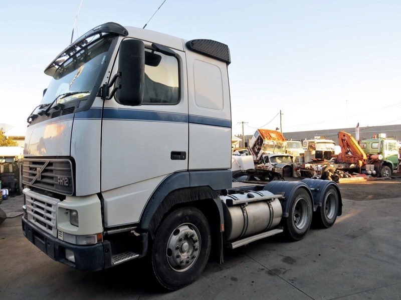 volvo fh12 703400 001