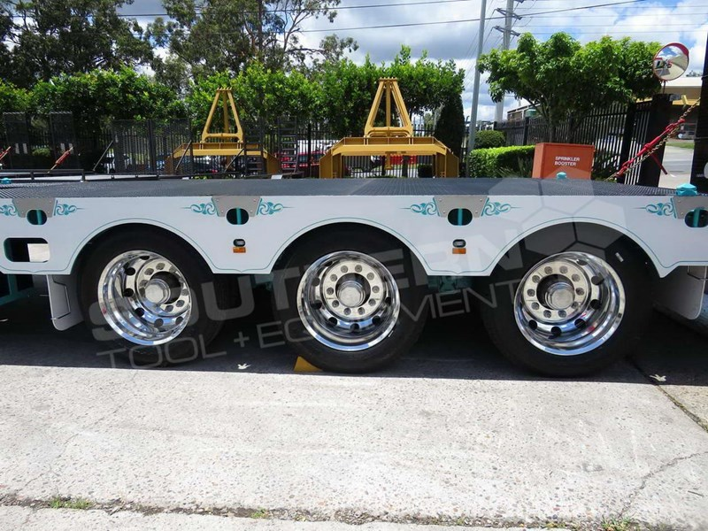 interstate trailers elite tri axle 703560 041